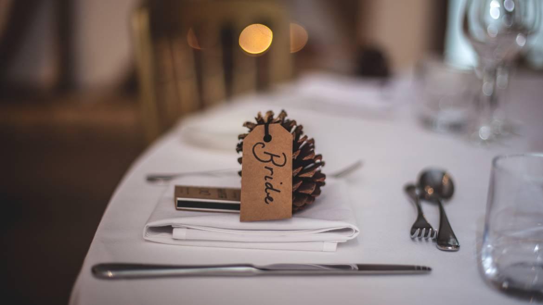Wizytówki na stołach – czy to dobry pomysł?