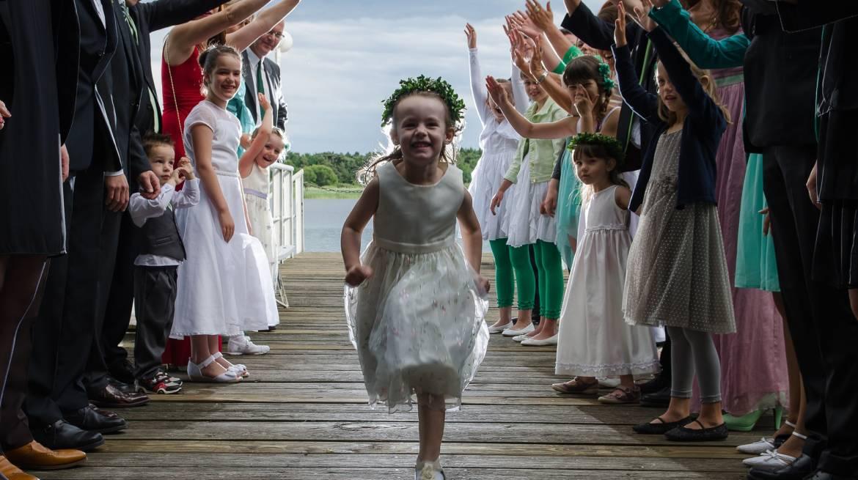 Czy jako Para Młoda powinniśmy zaprosić dzieci na wesele?